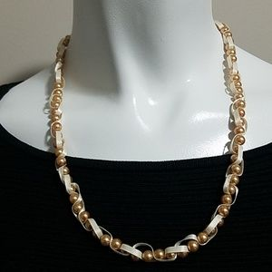 Jewelry - Tan & Cream Necklace